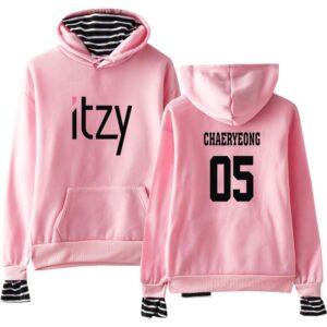 Itzy Hoodie Chaeryeong #1