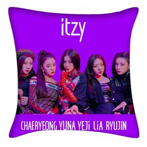 Itzy Pillow #2
